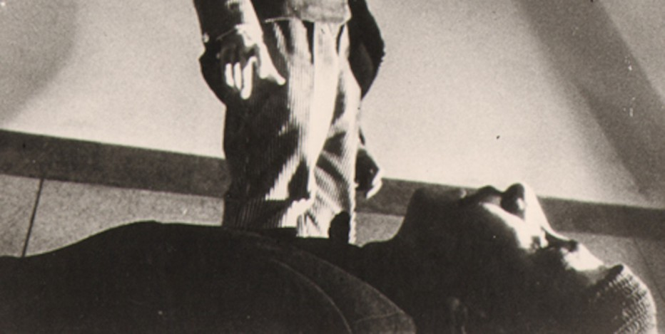 Night-of-the-Hunchback-Shabe-quzi-1965-Farrokh-Ghaffari-03.jpg
