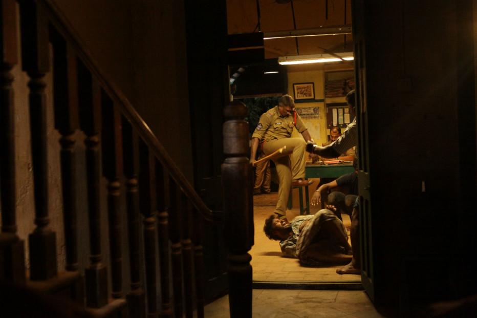 interrogation-visaaranai-2015-04.jpg