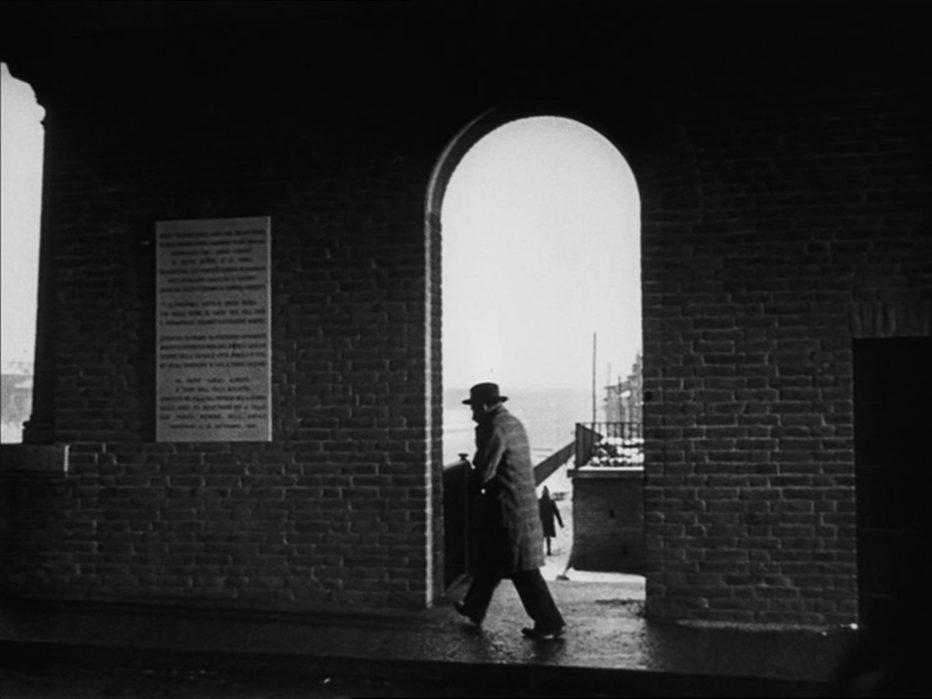 il-cappotto-1952-alberto-lattuada-01.jpg