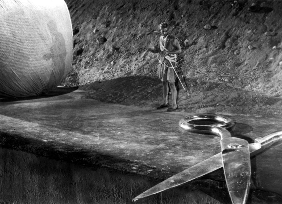 radiazioni-bx-distruzione-uomo-1957-jack-arnold-the-incredible-shrinking-man-01.jpg