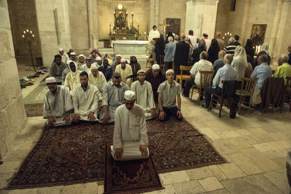 non-c-e-piu-religione-2016-luca-miniero-018.jpg