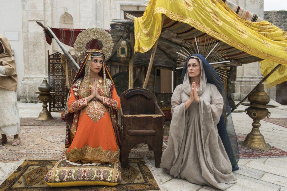 non-c-e-piu-religione-2016-luca-miniero-027.jpg