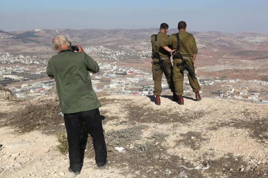 koudelka-shooting-holy-land-2015-gilad-baram-04.jpg