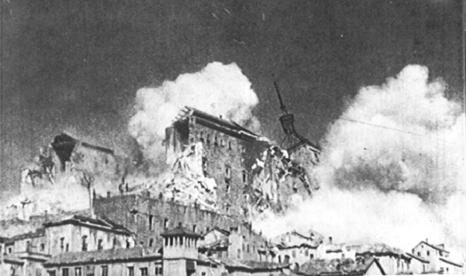 l-assedio-dell-alcazar-1940-Augusto-Genina-5.jpg