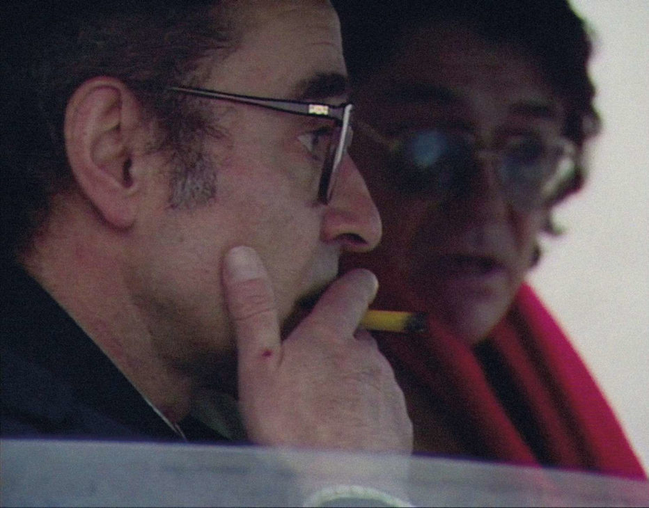 grandeur-et-decadence-d-un-petit-commerce-de-cinema-1986-jean-luc-godard-04.jpg