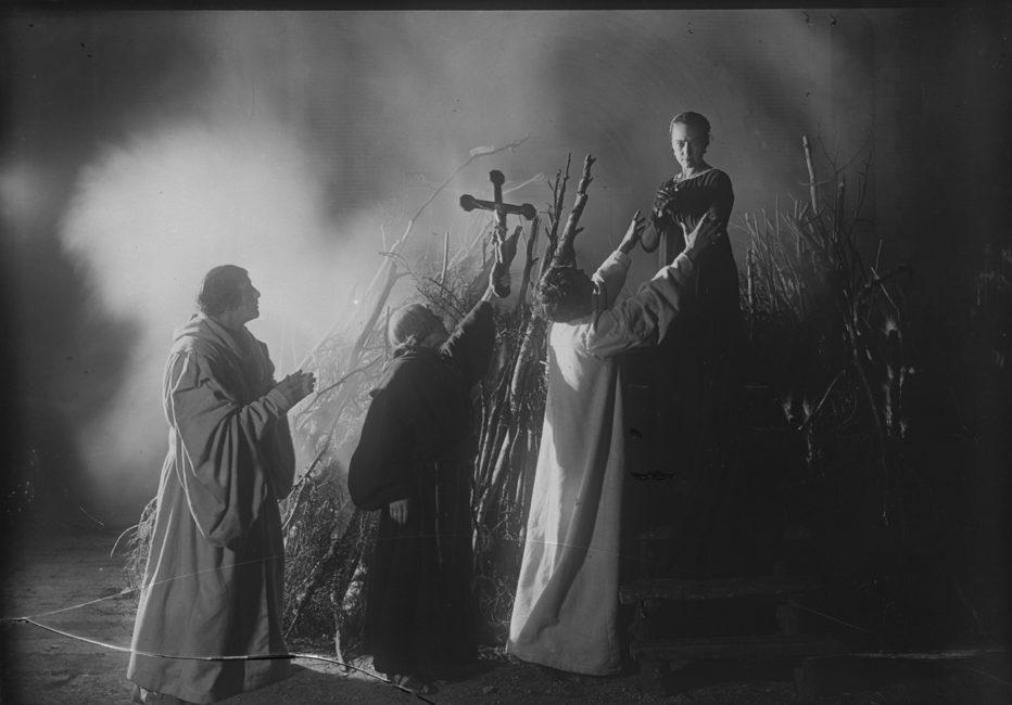 love-s-crucible-1922-Victor-Sjöström-1.jpg