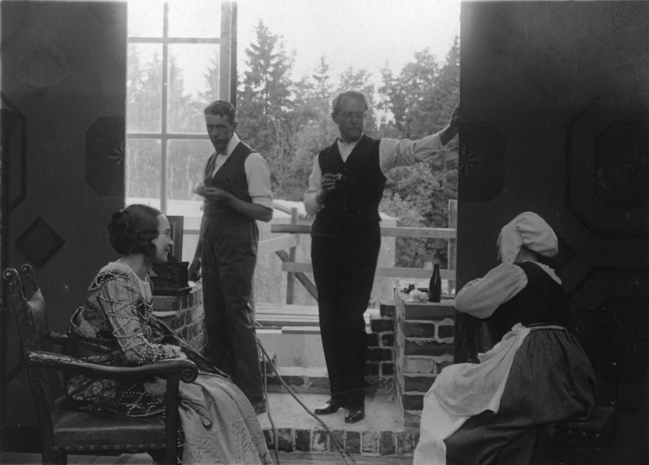 love-s-crucible-1922-Victor-Sjöström-6.jpg