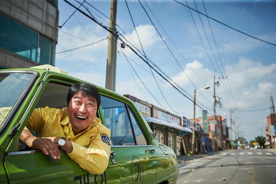 A-Taxi-Driver-2017-Jang-Hun-10.jpg