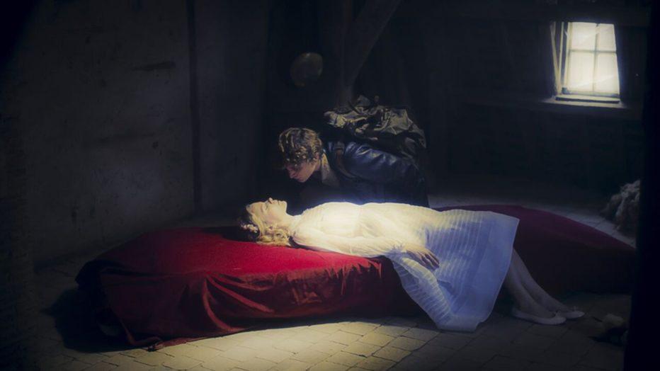 belle-dormant-bella-addormentata-2016-Adolfo-Arrieta-6.jpg