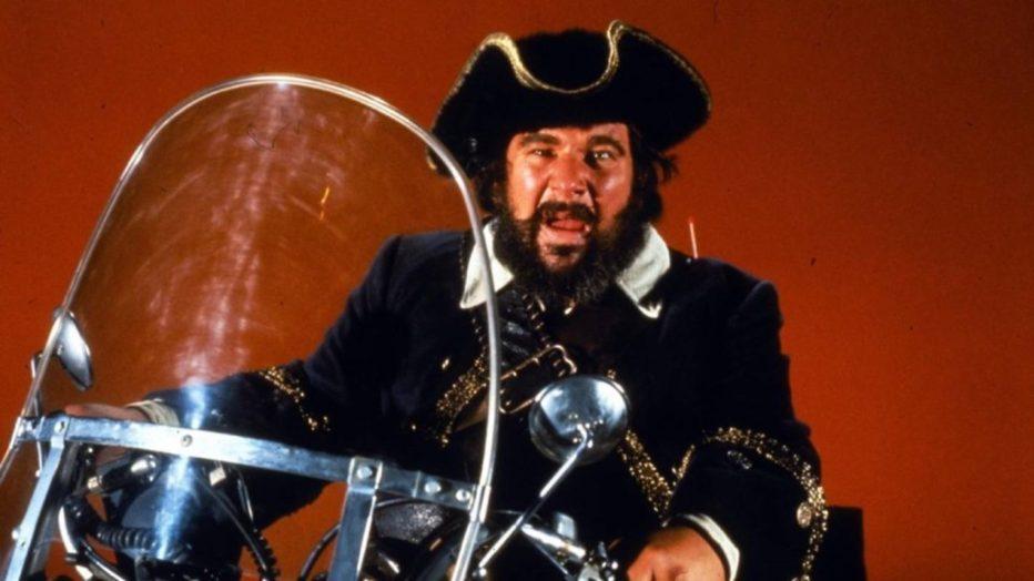 il-fantasma-del-pirata-barbanera-1968-blackbeards-ghost-robert-stevenson-peter-ustinov-dean-jones-disney-15.jpg