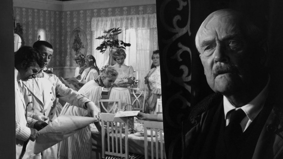 Il-posto-delle-fragole-Smultronstallet-1957-Ingmar-Bergman-05.jpeg