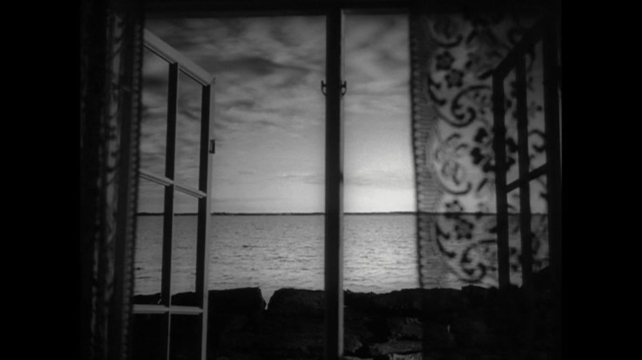 come-in-uno-specchio-1961-Ingmar-Bergman-001.jpg