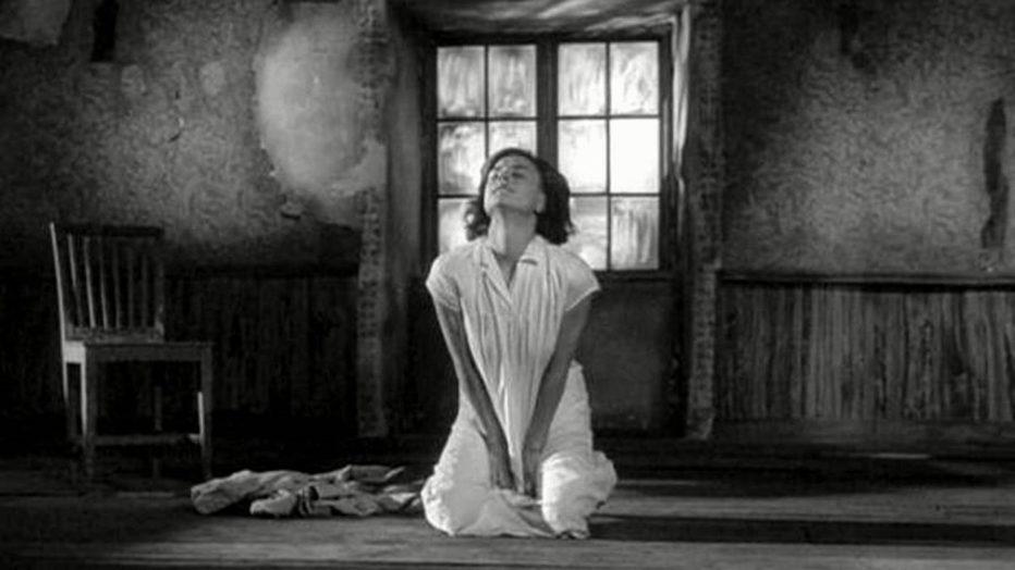come-in-uno-specchio-1961-Ingmar-Bergman-007.jpg