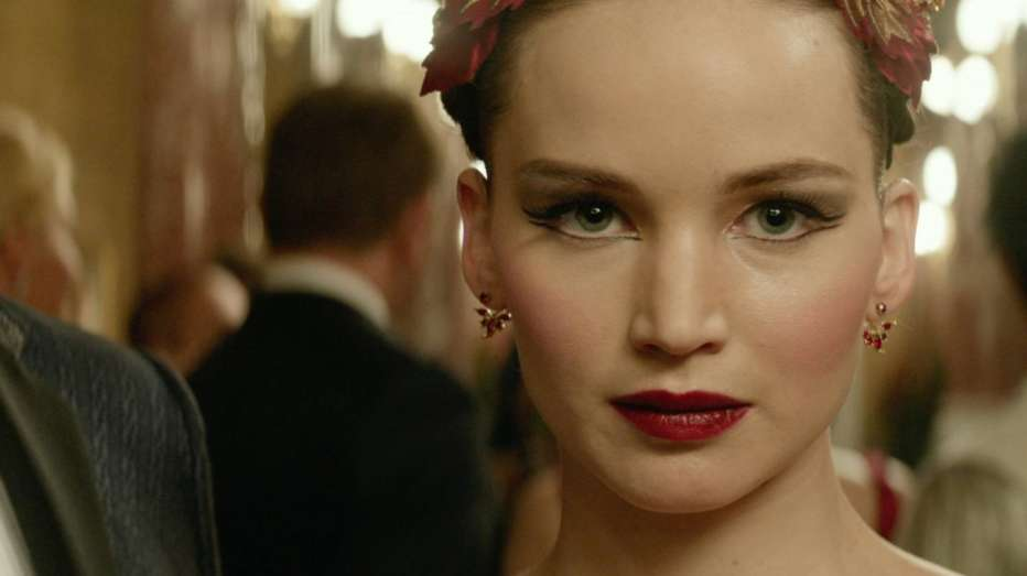 red-sparrow-2018-francis-lawrence-05.jpg