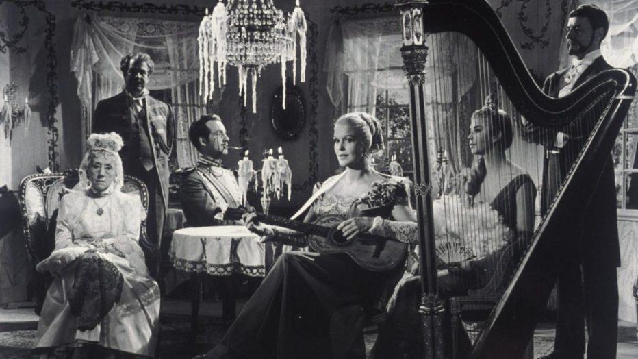 sorrisi-di-una-notte-d-estate-1955-Ingmar-Bergman-002.jpg
