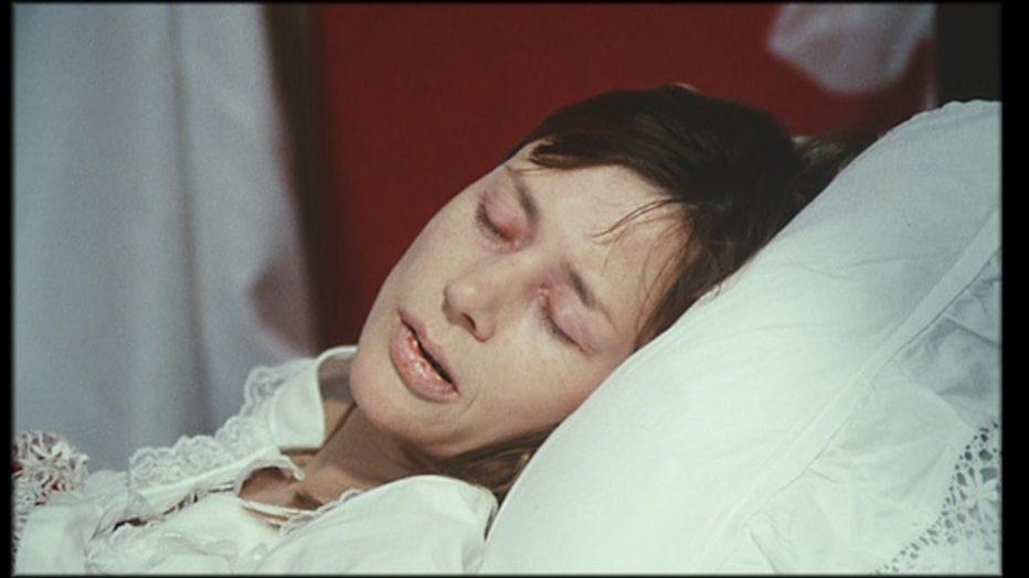 sussurri-e-grida-1972-Ingmar-Bergman-032.jpg