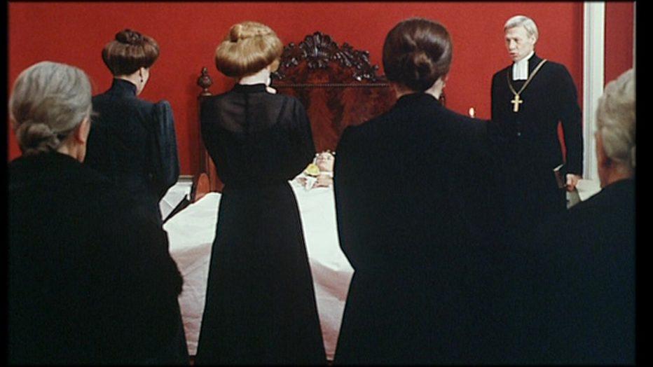 sussurri-e-grida-1972-Ingmar-Bergman-037.jpg