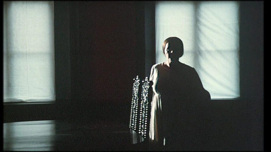 sussurri-e-grida-1972-Ingmar-Bergman-050.jpg