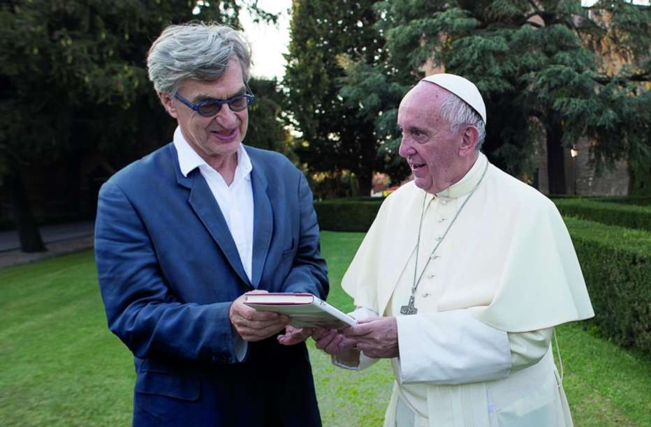Pope-Francis-A-Man-of-His-World-2018-Wim-Wenders-002.jpg