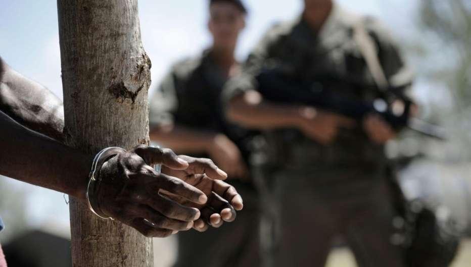 Rebellion-Un-atto-di-guerra-2011-Mathieu-Kassovitz-005.jpg