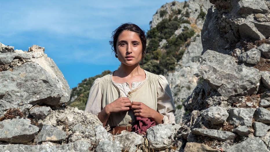 mostra-del-cinema-di-venezia-2018-presentazione-capri-revolution-martone-05.jpg