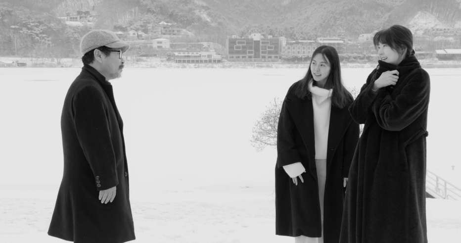 Hotel-by-the-River-2018-Hong-Sangsoo-001.jpg