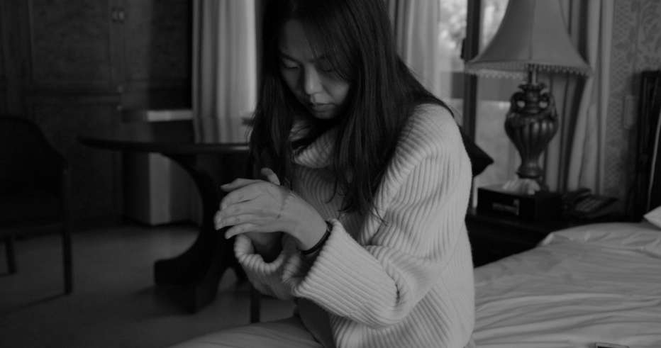 Hotel-by-the-River-2018-Hong-Sangsoo-003.jpg