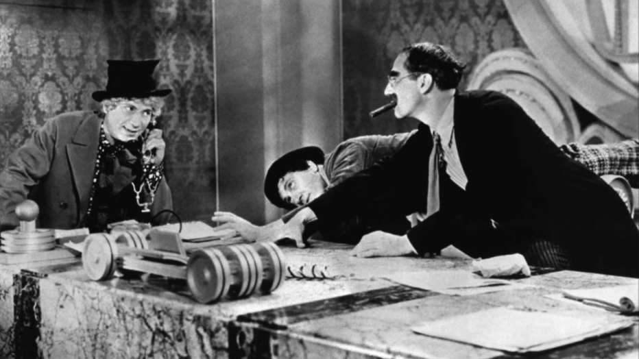 la-guerra-lampo-dei-fratelli-marx-1933-duck-soup-leo-mccarey-06.jpg