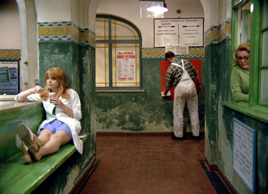 La-ragazza-del-bagno-pubblico-1970-Jerzy-Skolimowski-010.jpg