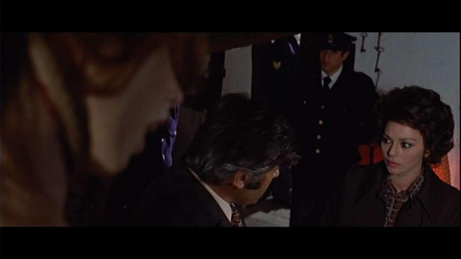 La-polizia-chiede-aiuto-1974-Massimo-Dallamano-006.jpg