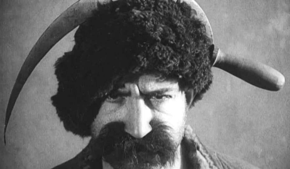 Le-straordinarie-avventure-di-mr.-west-nel-paese-dei-bolscevichi-1924-Lev-Kulešov-005.jpg