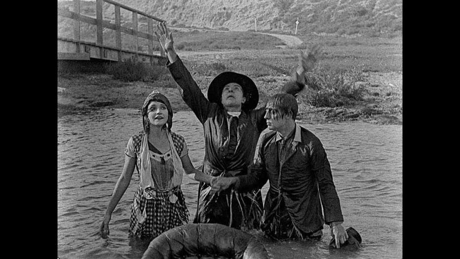 Lo-spaventapasseri-1920-Edward-F-Cline-Buster-Keaton-002.jpg