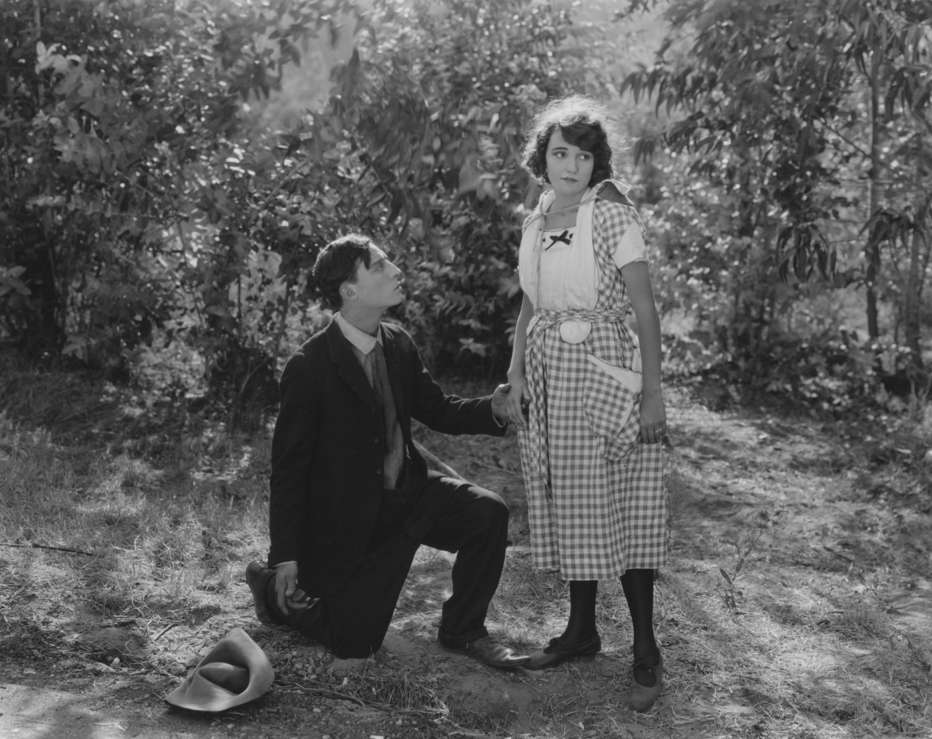 Lo-spaventapasseri-1920-Edward-F-Cline-Buster-Keaton-005.jpg