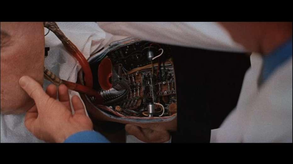 Il-mondo-dei-robot-1973-Westworld-Michael-Crichton-08.jpg