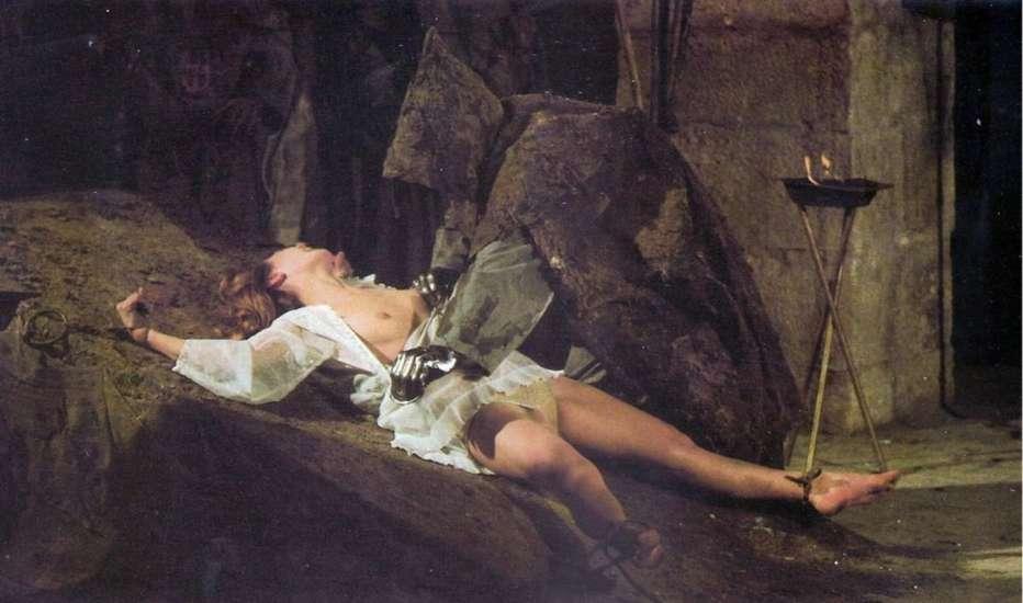 le-tombe-dei-resuscitati-ciechi-1971-amando-de-ossorio-recensione-01.jpg