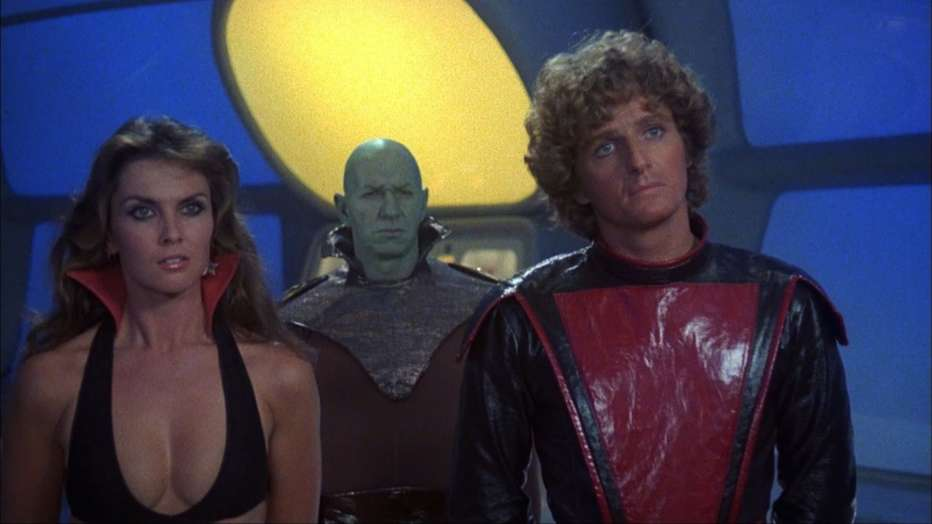starcrash-scontri-stellari-oltre-la-terza-dimensione-1978-luigi-cozzi-recensione-01.jpg