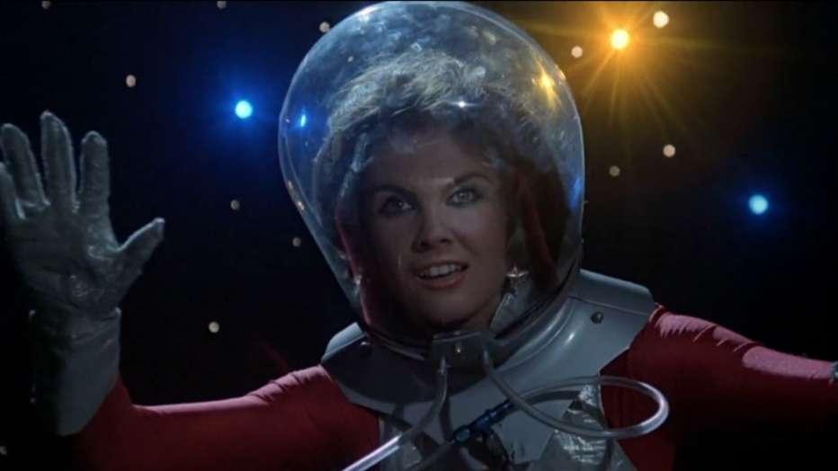 starcrash-scontri-stellari-oltre-la-terza-dimensione-1978-luigi-cozzi-recensione-02.jpg