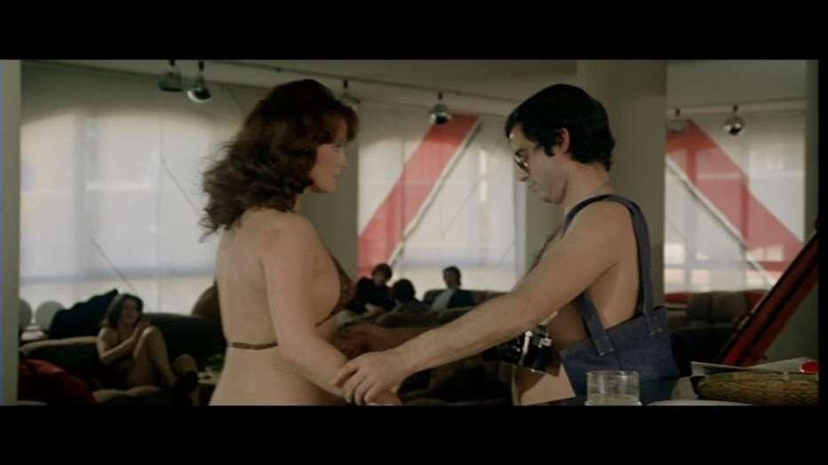 Nude-per-l-assassino-1975-Andrea-Bianchi-007.jpg