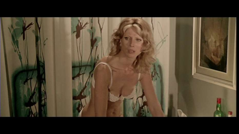 Nude-per-l-assassino-1975-Andrea-Bianchi-015.jpg