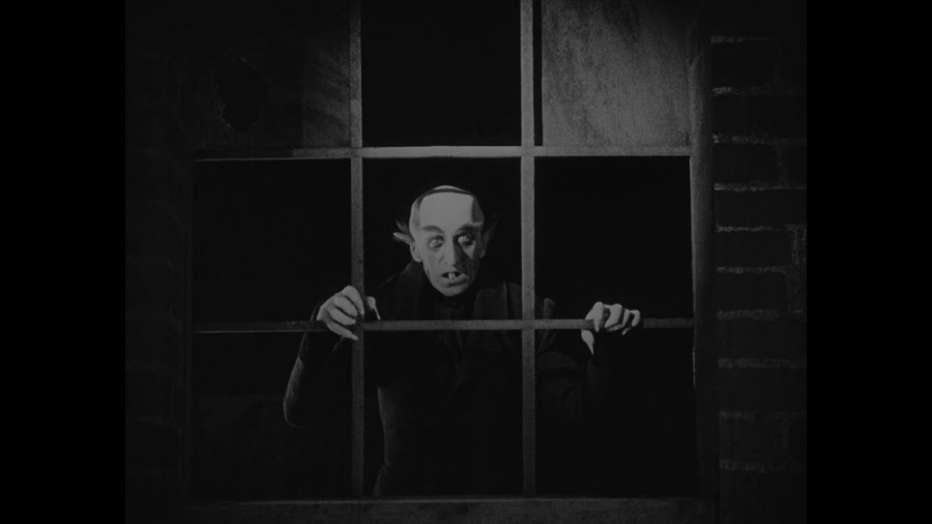 nosferatu-il-vampiro-1922-friedrich-wilhelm-murnau-recensione-07.jpg