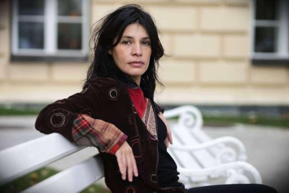 God-Exists-Her-Name-Is-Petrunija-2019-Teona-Strugar-Mitevska-006.jpg