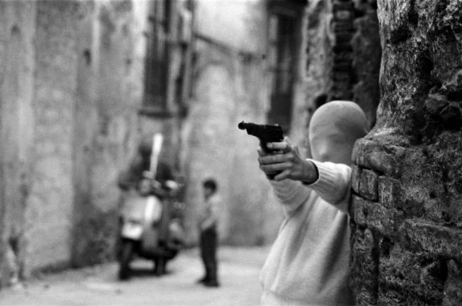Shooting-the-mafia-2019-Kim-Longinotto-003.jpg