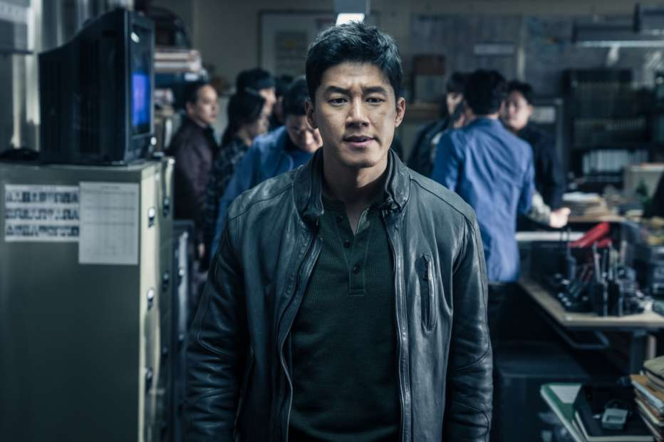 The-Gangster-the-Cop-the-Devil-2019-Lee-Won-tae-03.jpg