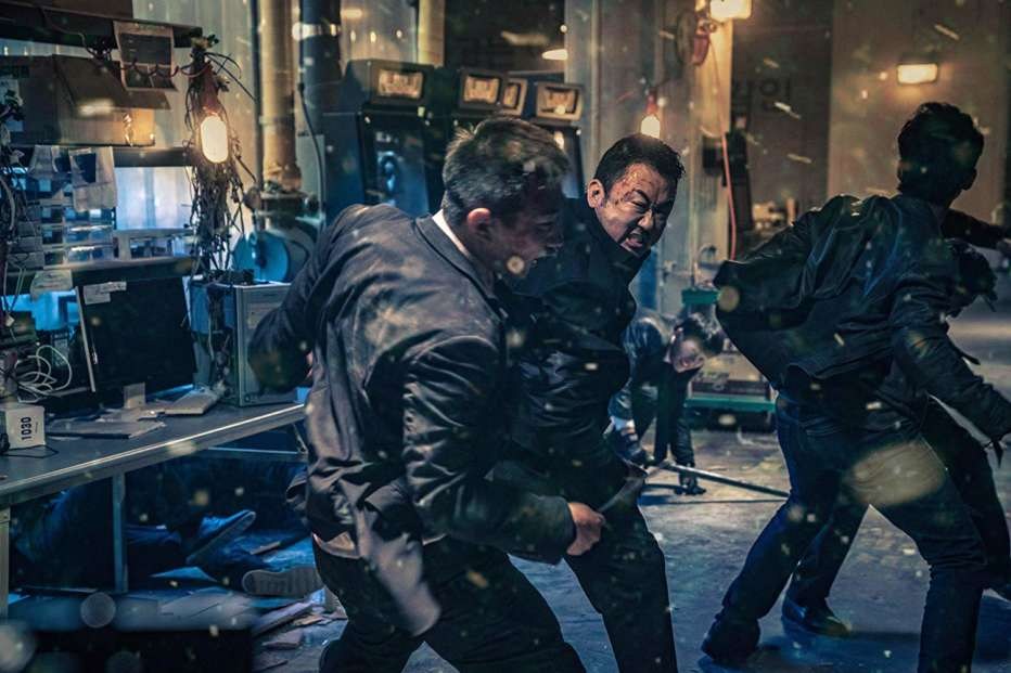 The-Gangster-the-Cop-the-Devil-2019-Lee-Won-tae-06.jpg