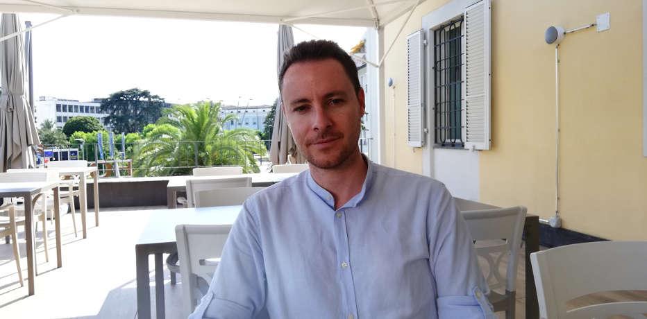 Intervista a Roberto De Feo