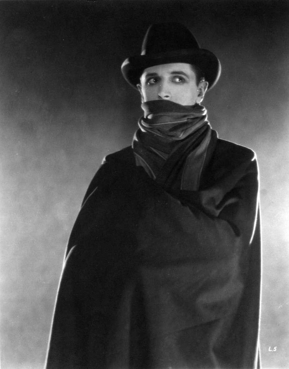 Il-pensionante-1927-Alfred-Hitchcock-004.jpg