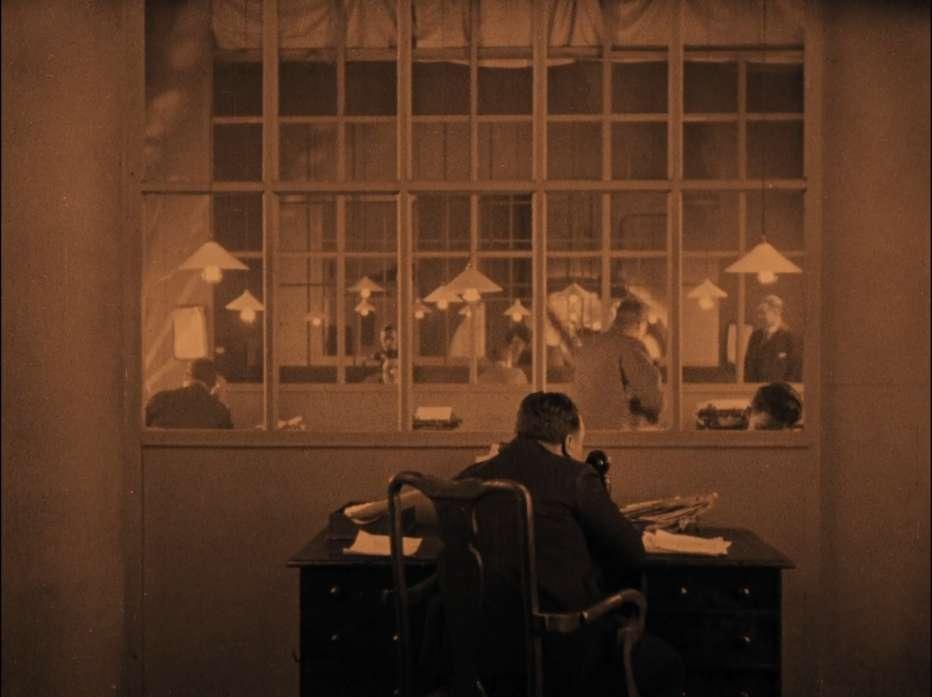 Il-pensionante-1927-Alfred-Hitchcock-006.jpg