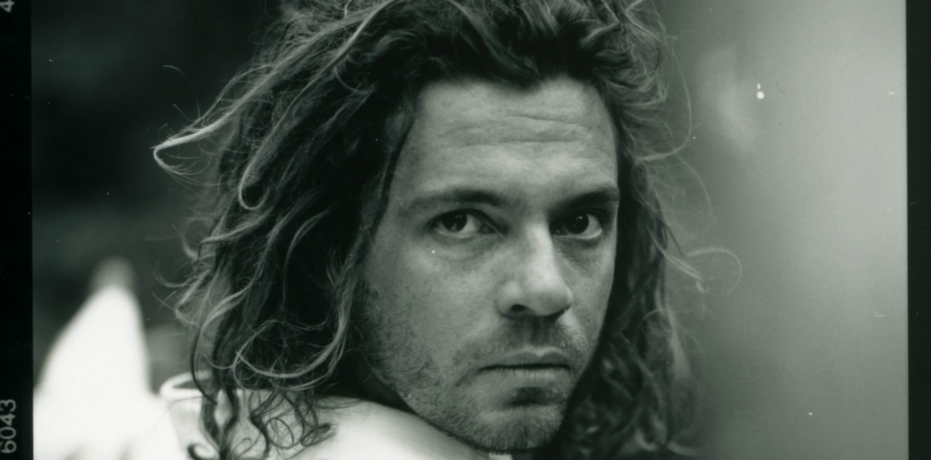 Mystify: Michael Hutchence (2019) R. Lowenstein - Recensione | Quinlan.it
