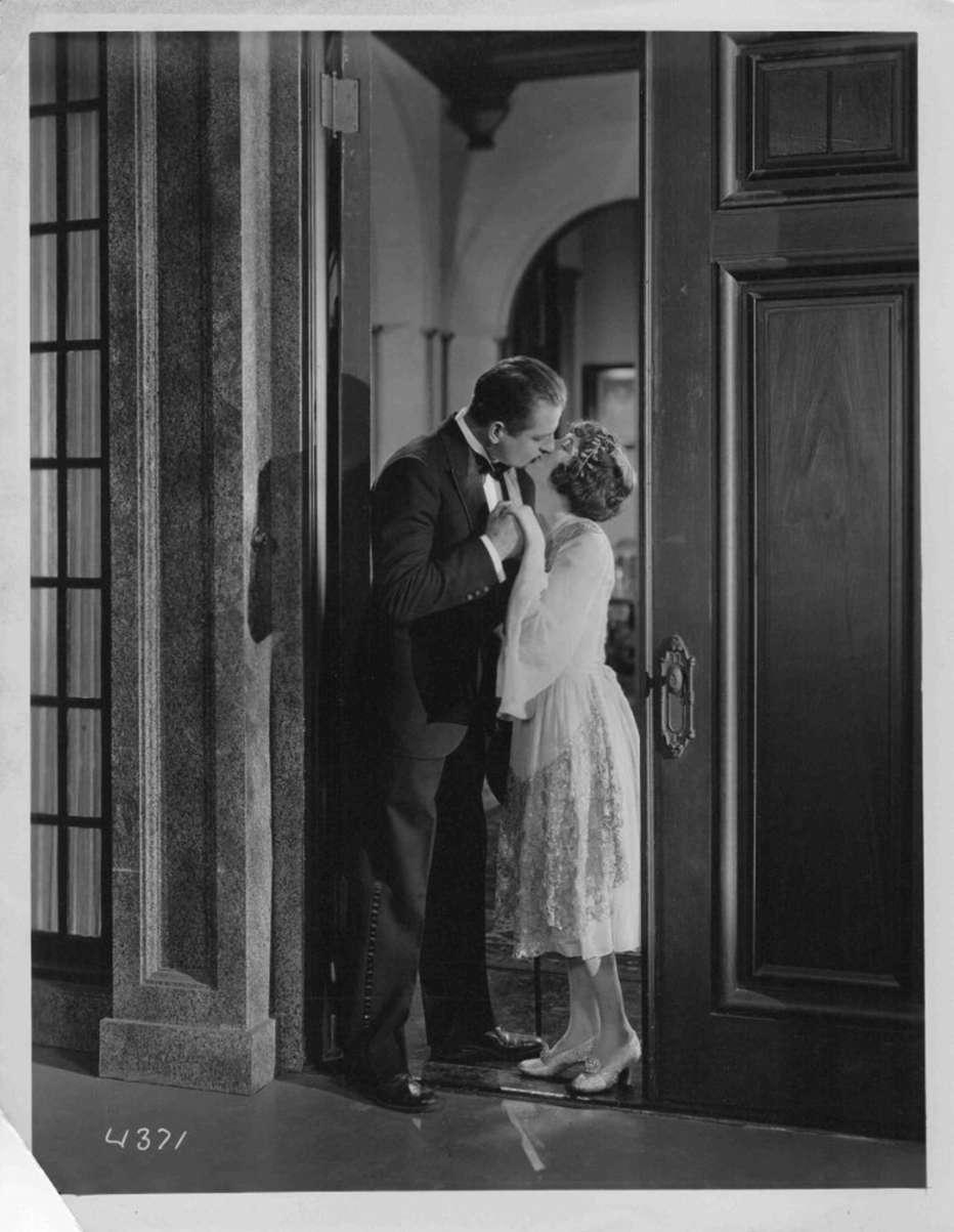 What-Happened-to-Jones-1926-William-A-Seiter-002.jpg