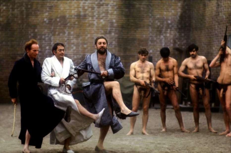 salo-o-le-120-giornate-di-sodoma-1975-pier-paolo-pasolini-recensione-04.jpg